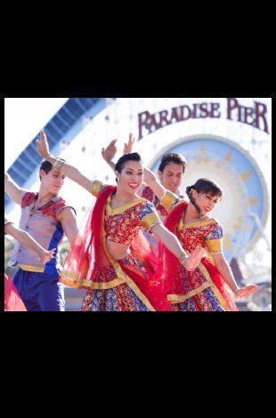 Casa Kinetic: Blue13 Bollywood Dance Company
